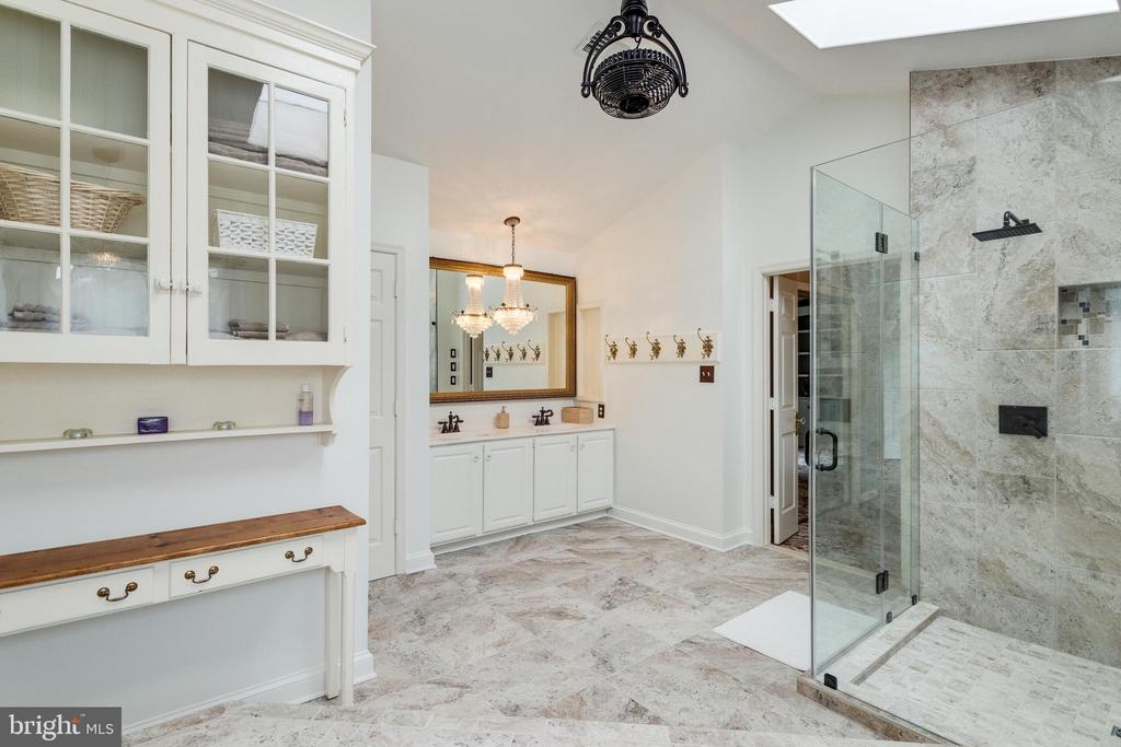 Master Bath - 11256 WAPLES MILL RD, OAKTON