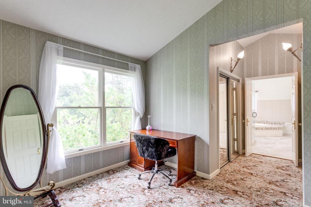 Master Bedroom Sitting Room has 2 Walk-in Closets. - 11256 WAPLES MILL RD, OAKTON