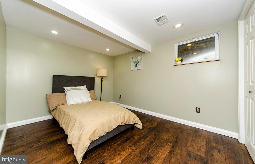 Lower Level Bonus Room - 6419 28TH ST N, ARLINGTON