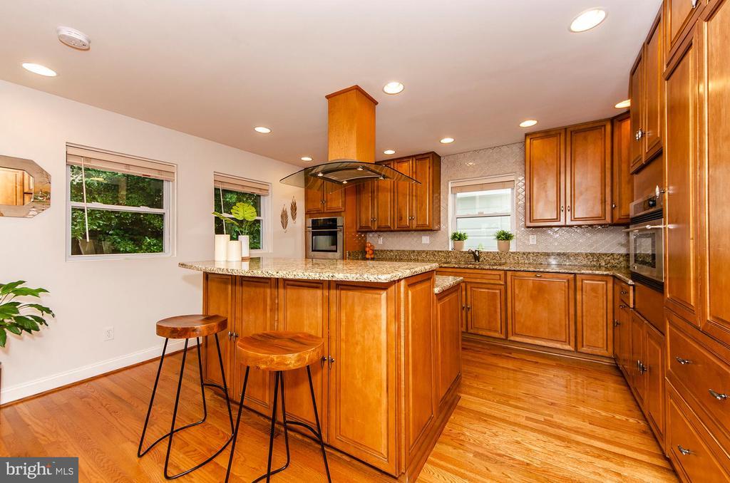 Kitchen - 6419 28TH ST N, ARLINGTON