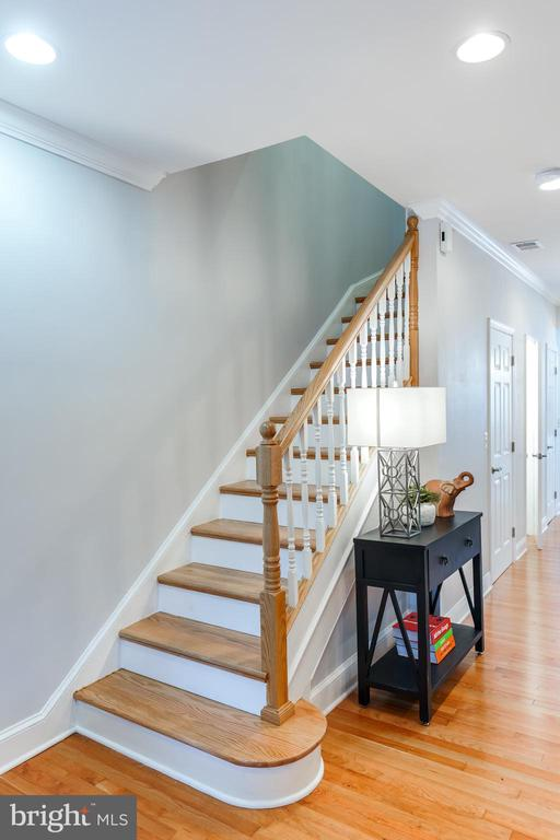 Stairway to the bedrooms & bathroom level - 4722 8TH ST NW, WASHINGTON