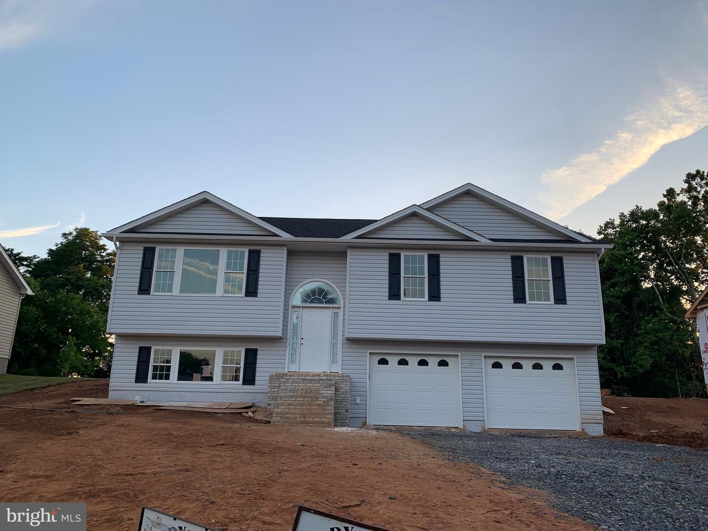 Single Family for Sale at 1560 Belmont Ave Front Royal, Virginia 22630 United States