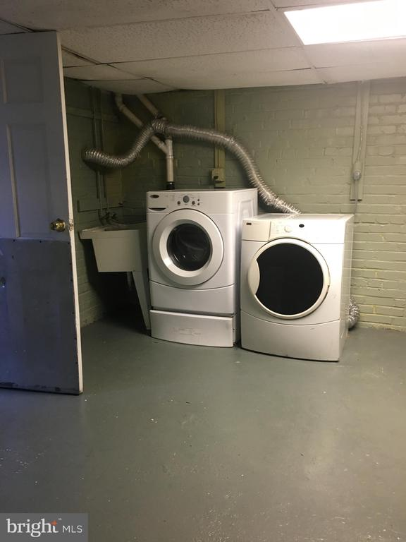 Dryer and Washer - 4026 7TH ST NE, WASHINGTON