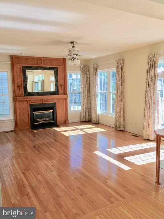 Large space to make your own! - 20377 WATER VALLEY CT, STERLING