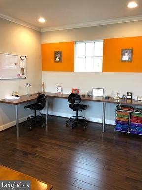 Desk area 2nd Floor - 44596 STEPNEY DR, ASHBURN