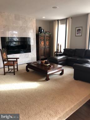 Living Room - 44596 STEPNEY DR, ASHBURN