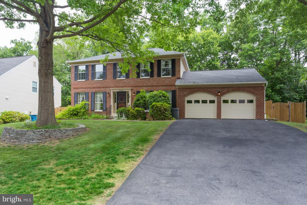 Make 12036 Sugarland Valley Your New Home Today - 12036 SUGARLAND VALLEY DR, HERNDON