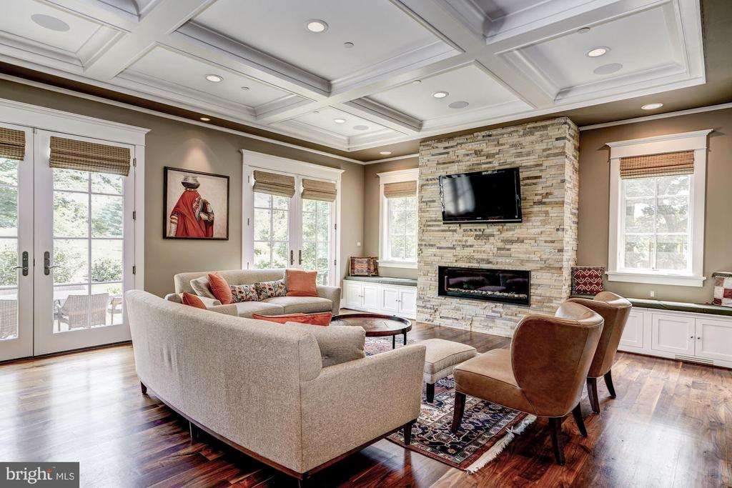 Gorgeous Great Room, Open to the Kitchen - 9927 CARTER RD, BETHESDA