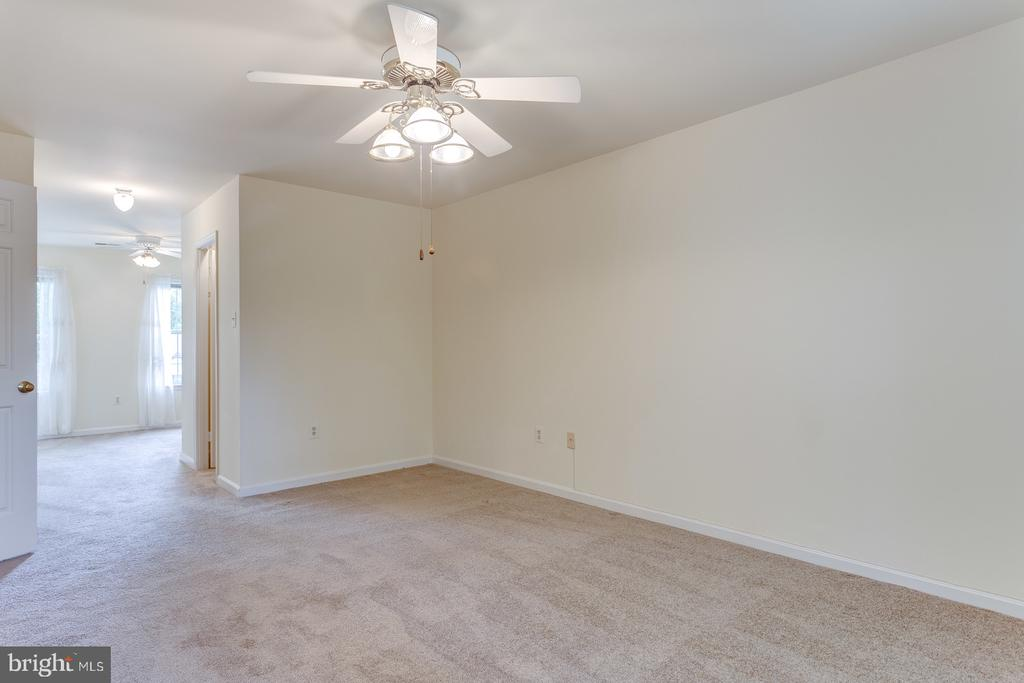 Master to Separate Sitting Room - 12036 SUGARLAND VALLEY DR, HERNDON