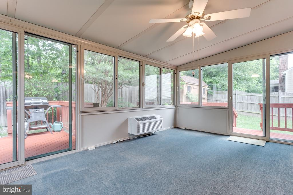 4 Season Sun Room 200 sqft of Additional Living - 12036 SUGARLAND VALLEY DR, HERNDON