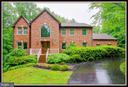 Beautiful brick front home in Wateredge Estates! - 98 WATEREDGE LN, FREDERICKSBURG