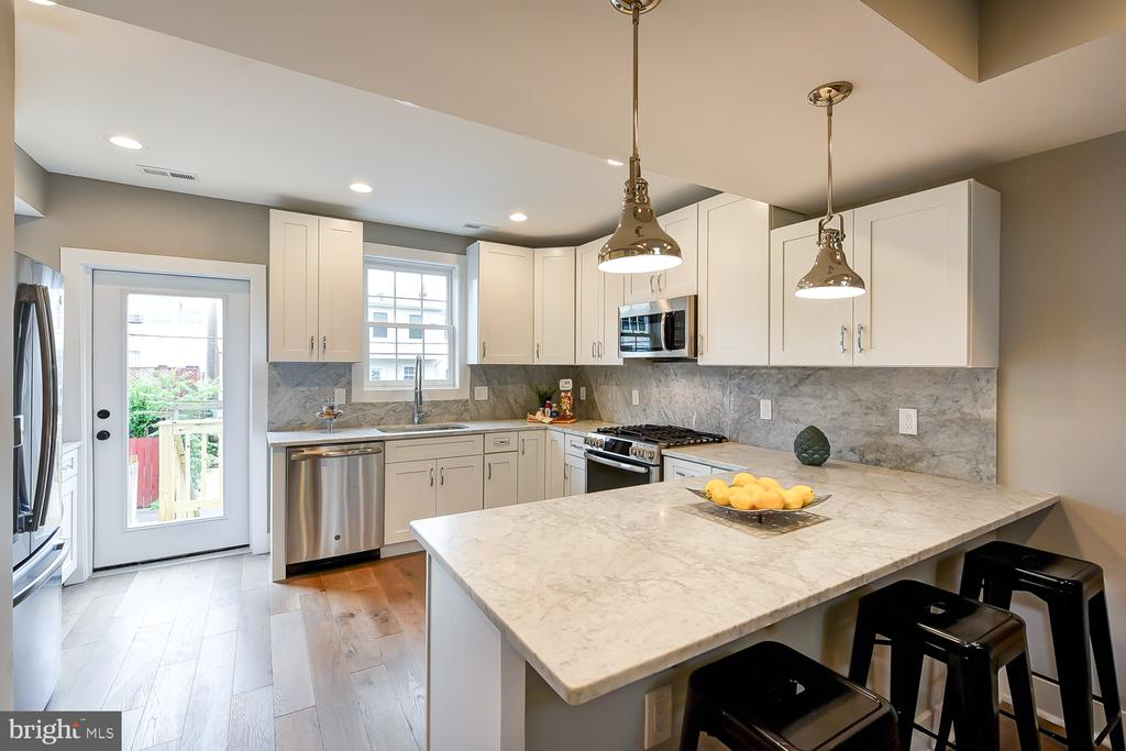Main Kitchen - 834 DELAFIELD PL NW, WASHINGTON