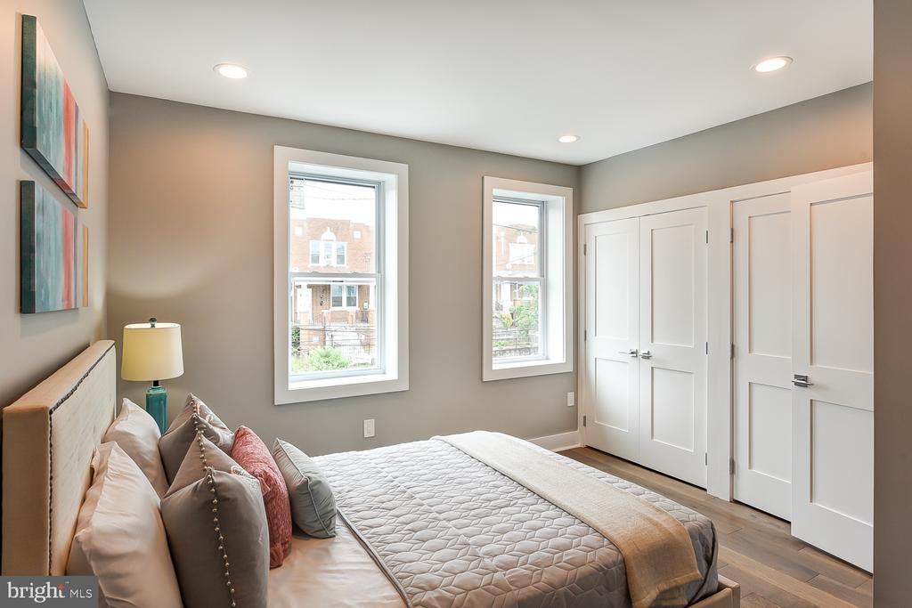 Second Bedroom - 834 DELAFIELD PL NW, WASHINGTON