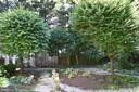 Gardens - 6004 BROOKSIDE DR, CHEVY CHASE