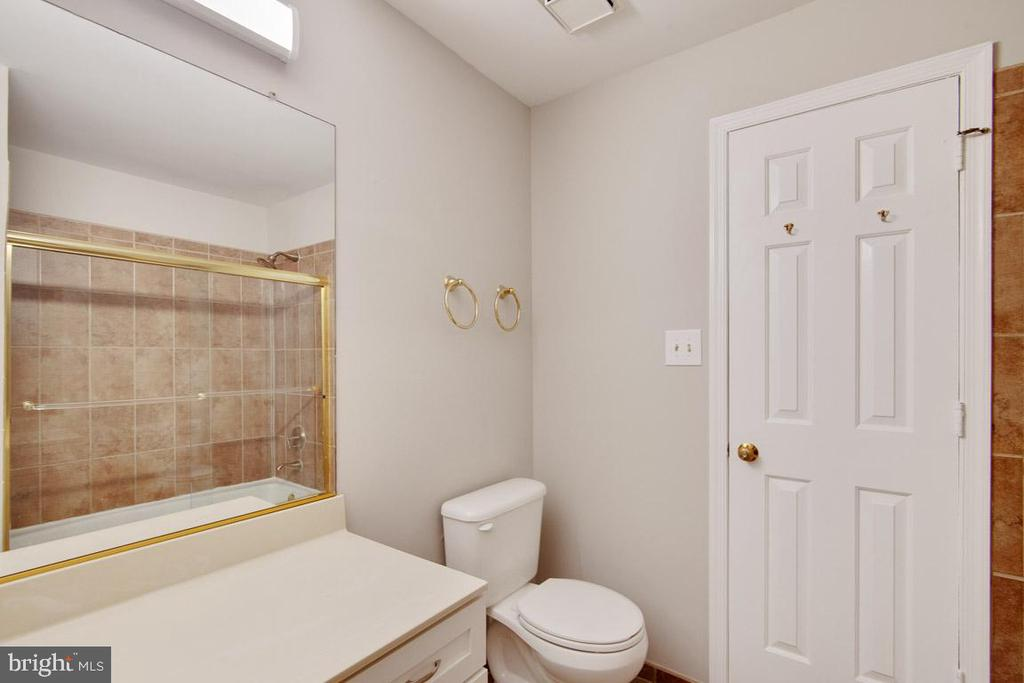 Bathroom With Door to Master Bed In View - 11701-B KARBON HILL CT #502B, RESTON