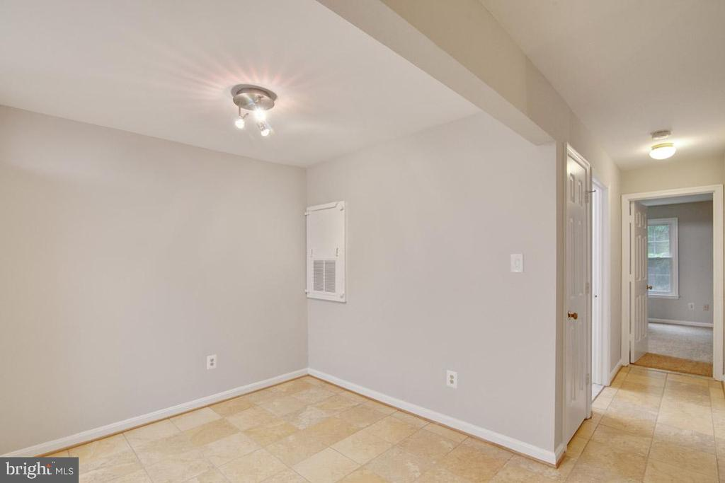 Nicely Sized Dining Rm Just Off The Kitchen - 11701-B KARBON HILL CT #502B, RESTON