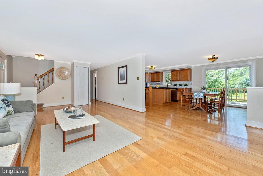 Great for entertaining - 5741 MOUNTVILLE RD, ADAMSTOWN