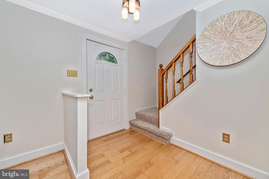 Entry - 5741 MOUNTVILLE RD, ADAMSTOWN