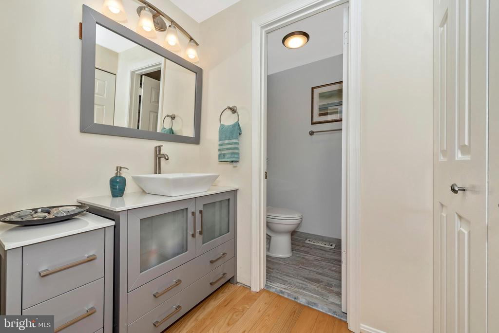 Brand new Master bath - 5741 MOUNTVILLE RD, ADAMSTOWN