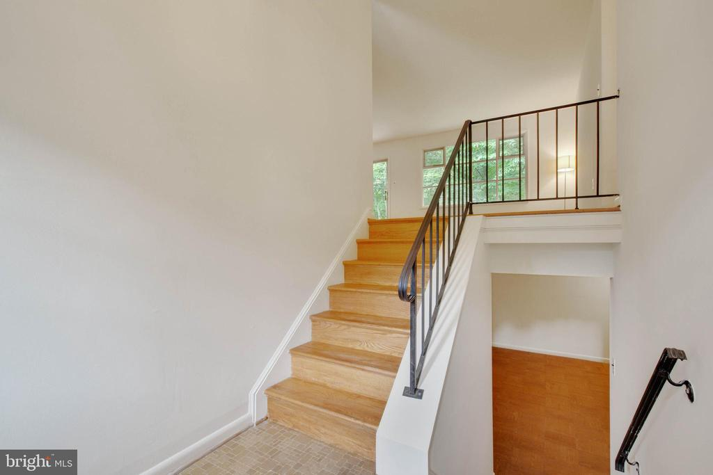 Foyer- Stairs leading to the main level - 8301 CURRY PL, ADELPHI