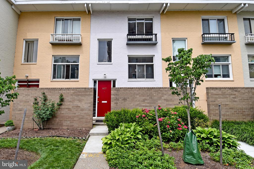 Exterior Front - 857 3RD ST SW #104, WASHINGTON