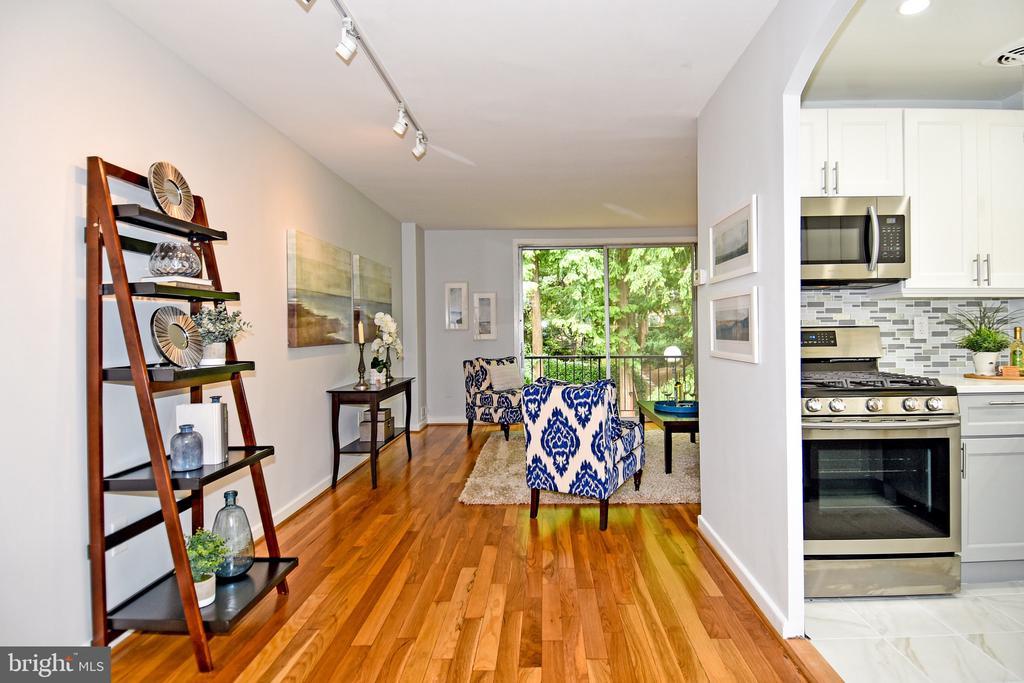 Foyer/Kitchen/Living - 857 3RD ST SW #104, WASHINGTON