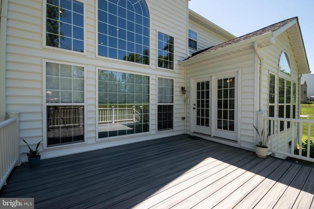 Deck off sunroom - 1304 PRESERVE LN, FREDERICKSBURG