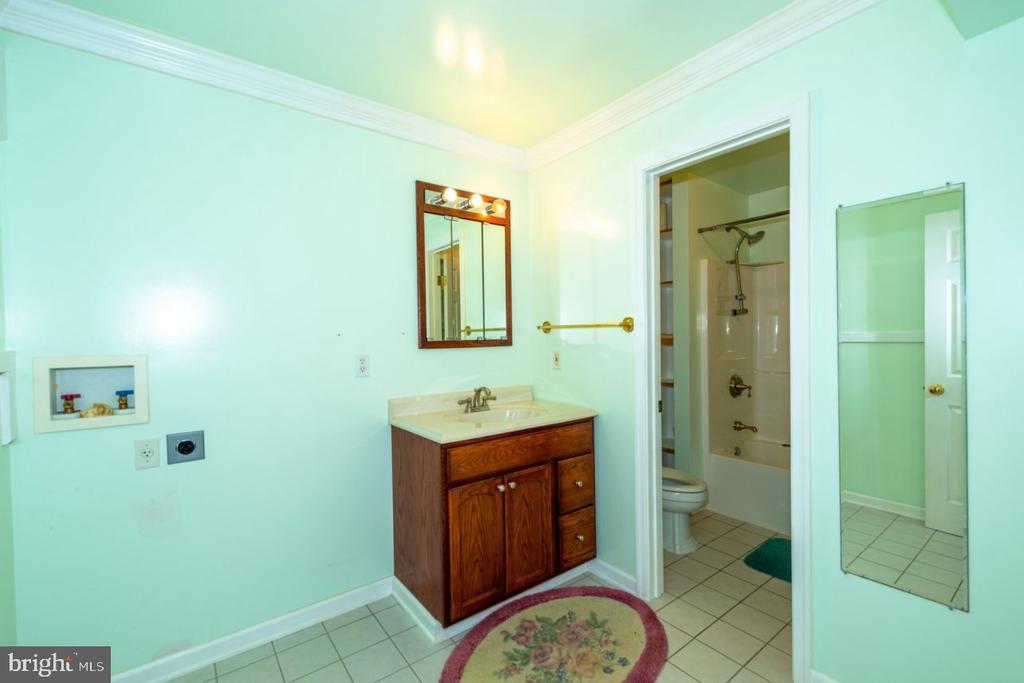 Basement - Full Bath - 13524 LITZA WAY, WOODBRIDGE