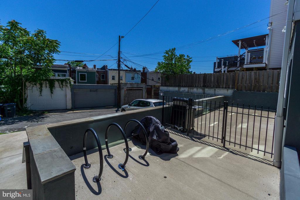 Discreet Bike Rack Off Private Terrace - 1352 QUINCY ST NW #1, WASHINGTON