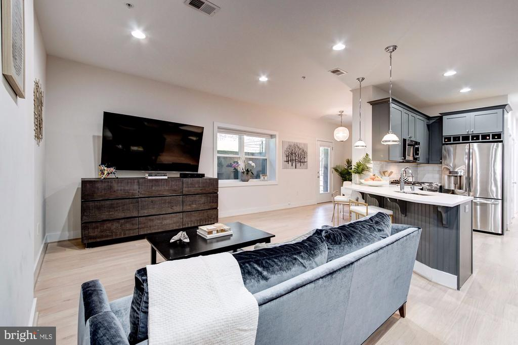 Huge Open Concept Living and Dining Areas - 1352 QUINCY ST NW #1, WASHINGTON