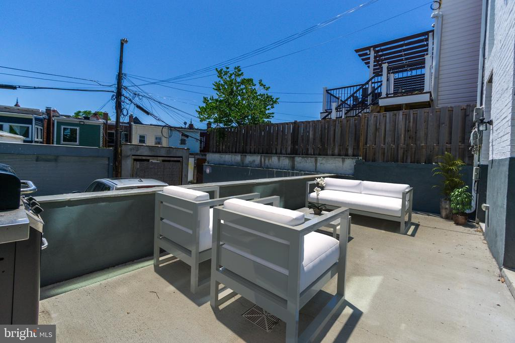 250sqft Private Use Terrace (Virtually Staged) - 1352 QUINCY ST NW #1, WASHINGTON