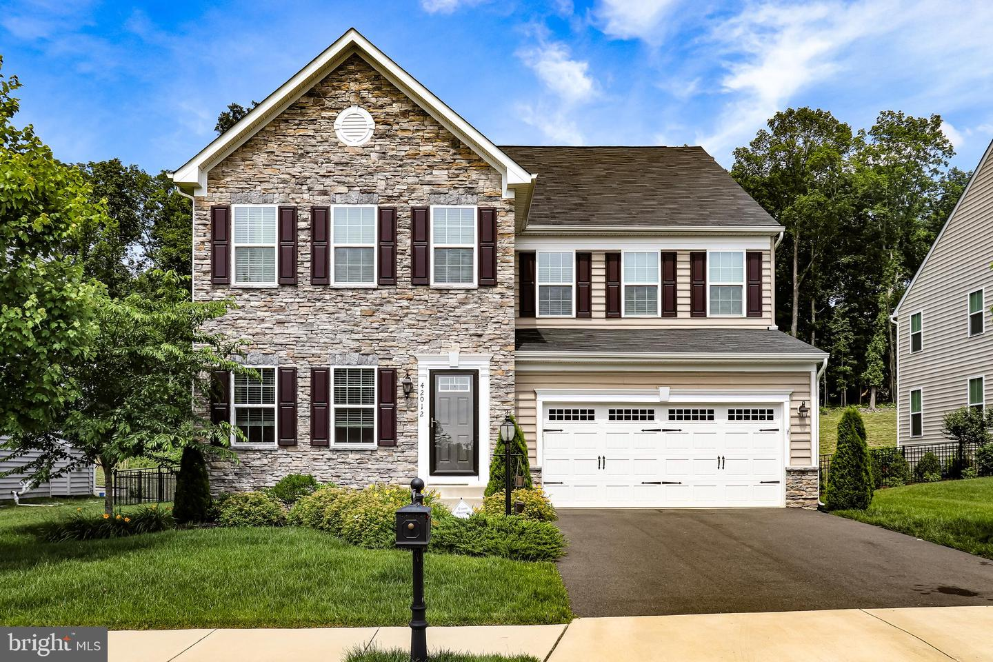 Single Family for Sale at 42012 Winning Glory Dr Aldie, Virginia 20105 United States