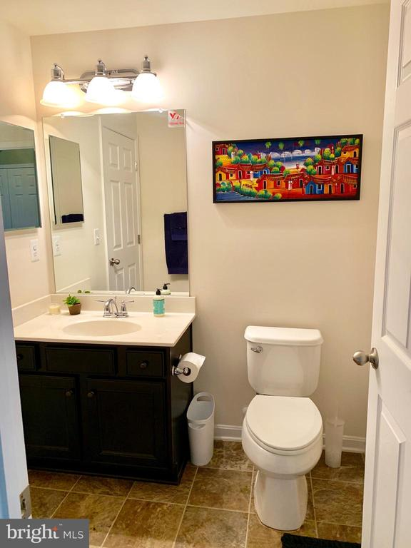 Downstairs Full Bathroom - 9009 BELO GATE DR, MANASSAS PARK