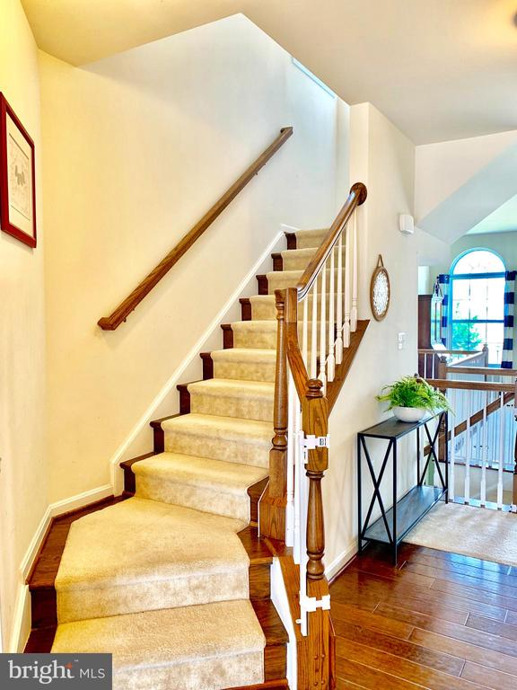 Stairwell to third level - 9009 BELO GATE DR, MANASSAS PARK