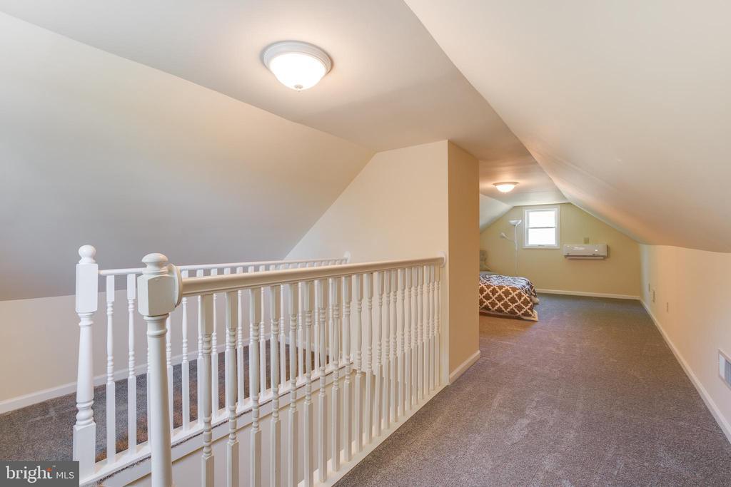 Master bedroom upstairs! - 5500 ODELL RD, BELTSVILLE