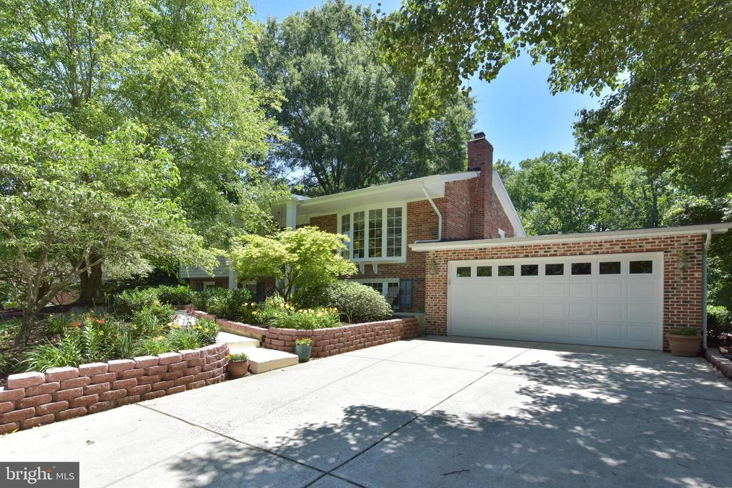 9209  VOLUNTEER DRIVE, Alexandria, Virginia