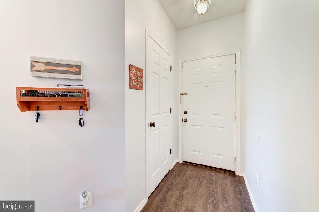 Foyer with Separate Coat Closet - 4404 HELMSFORD LN #203, FAIRFAX