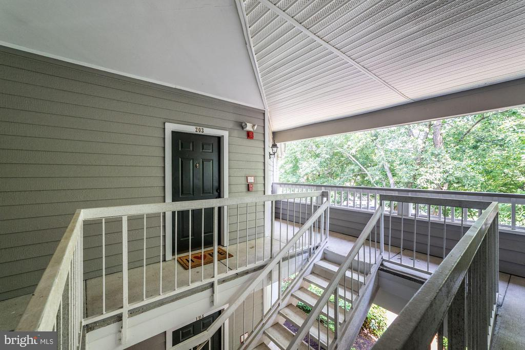 Penthouse Condo - Entrance to Home - 4404 HELMSFORD LN #203, FAIRFAX