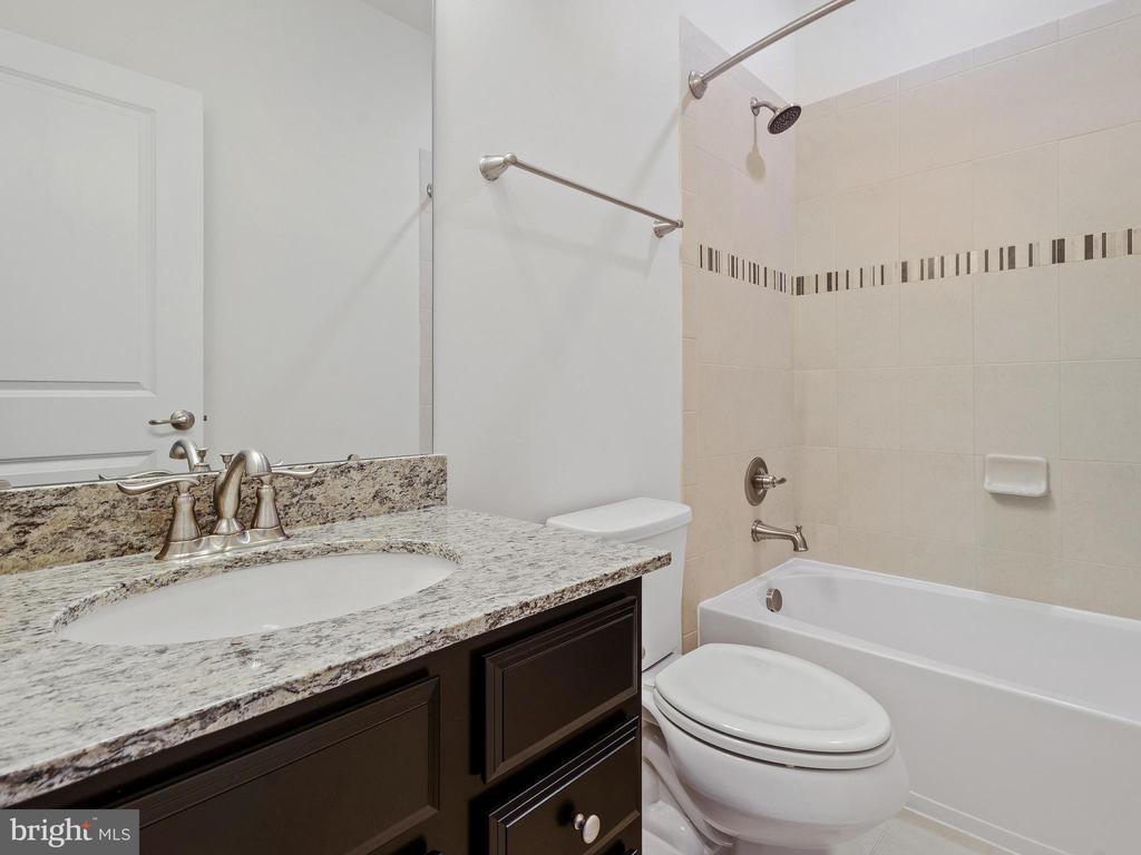 FULL BATHROOM 2  WITH TUB - 3433 10TH PL SE, WASHINGTON