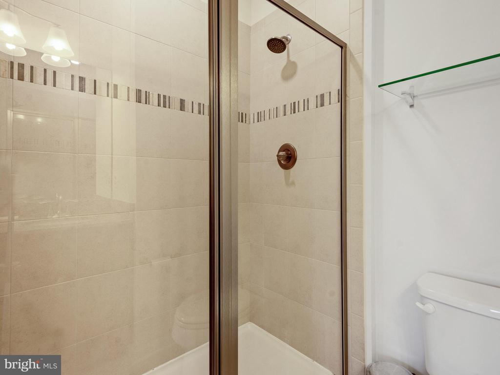 MASTER BATHROOM WITH 2 SHOWER HEADS - 3433 10TH PL SE, WASHINGTON