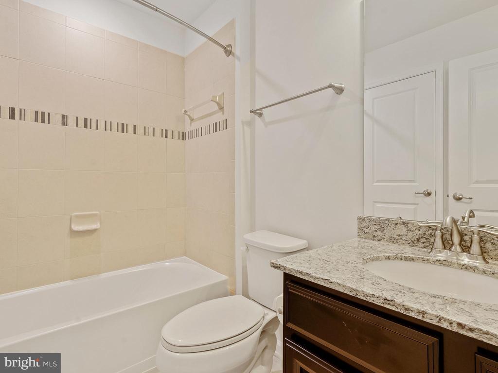 FULL BATHROOM 3  WITH TUB - 3433 10TH PL SE, WASHINGTON