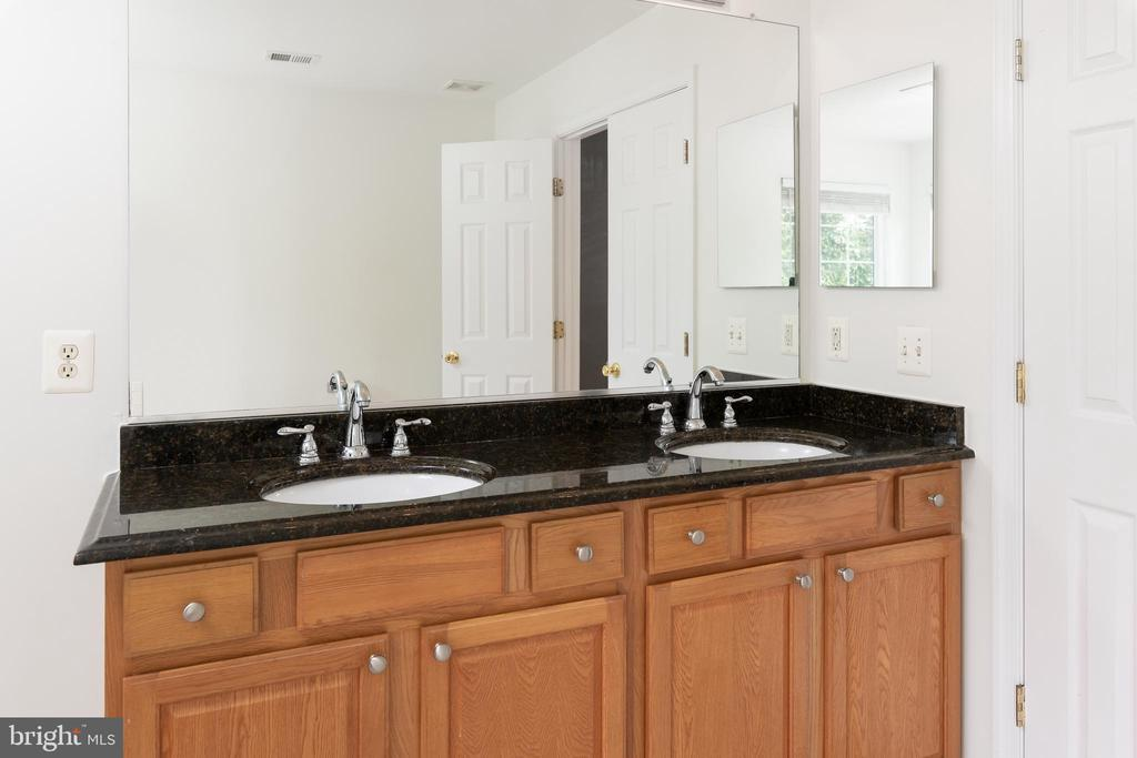 Double Sinks w/Large Mirror - 10905 HOWITZER DR, FREDERICKSBURG