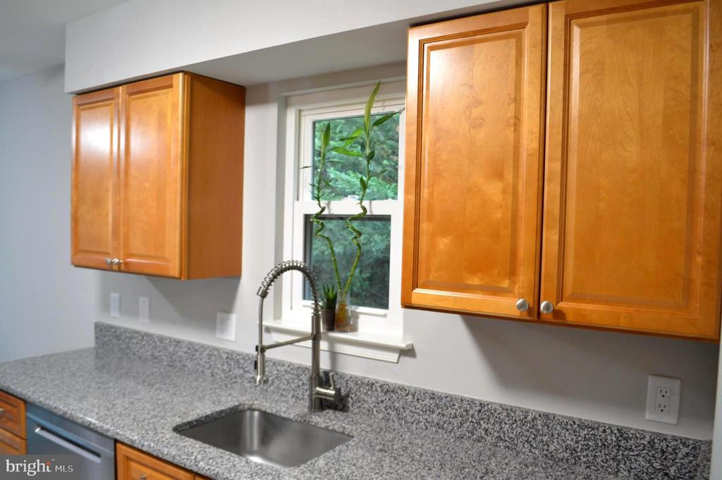Kitchen - 11827 BROCKMAN LN, GREAT FALLS