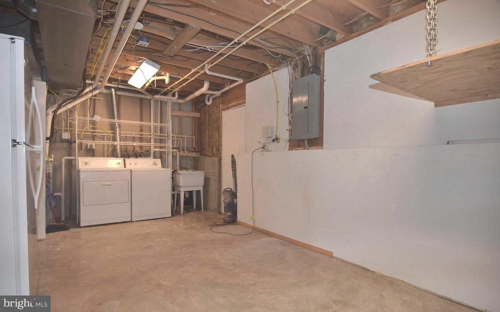 Utility Room - 11827 BROCKMAN LN, GREAT FALLS