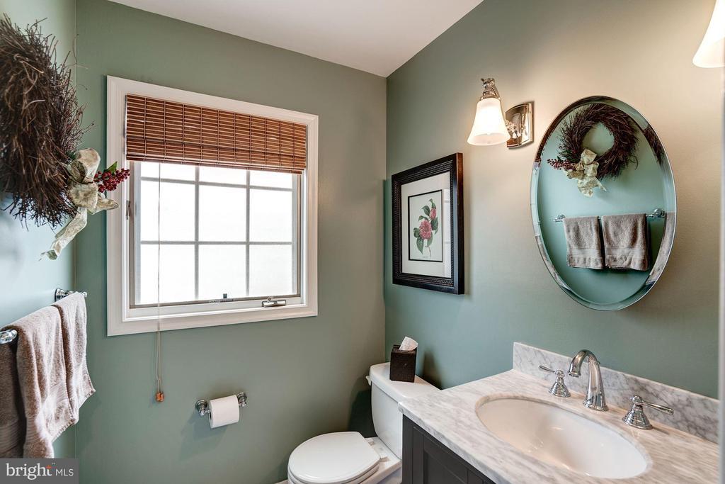 Powder Room - 1710 N WAKEFIELD ST, ARLINGTON