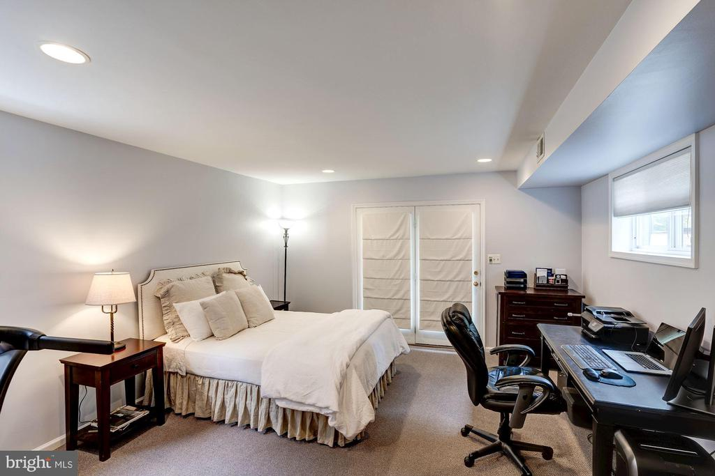 Au Pair Suite/ Bedroom 4 - 1710 N WAKEFIELD ST, ARLINGTON