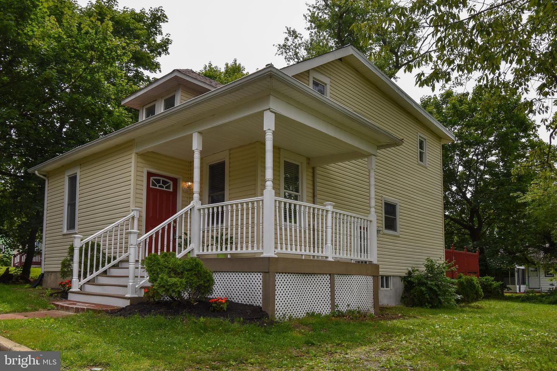 Single Family Homes للـ Sale في Lawnside, New Jersey 08045 United States