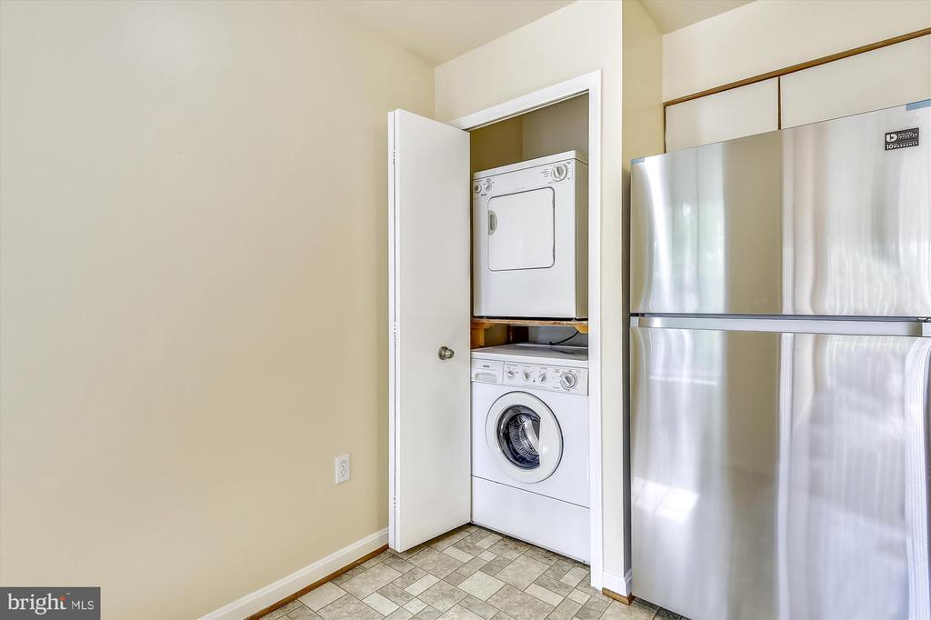 In-Condo Washer and Dryer - 5388-D BEDFORD TER, ALEXANDRIA