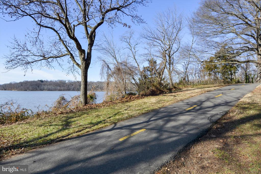 Bike and Walking Paths Nearby - 5388-D BEDFORD TER, ALEXANDRIA