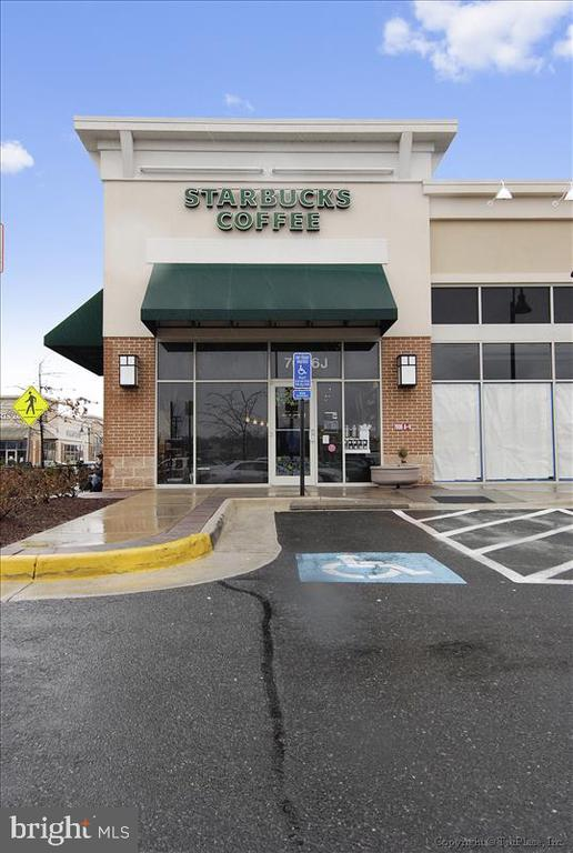 With Resturants and Coffee Shops Close - 5388-D BEDFORD TER, ALEXANDRIA